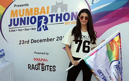 Actress Amyra Dastur at Juniorthon 2019 Mumbai's largest kids Marathon organised in association with Smile Foundation at MMRDA Bandra, where 4000 kids participated in the run
