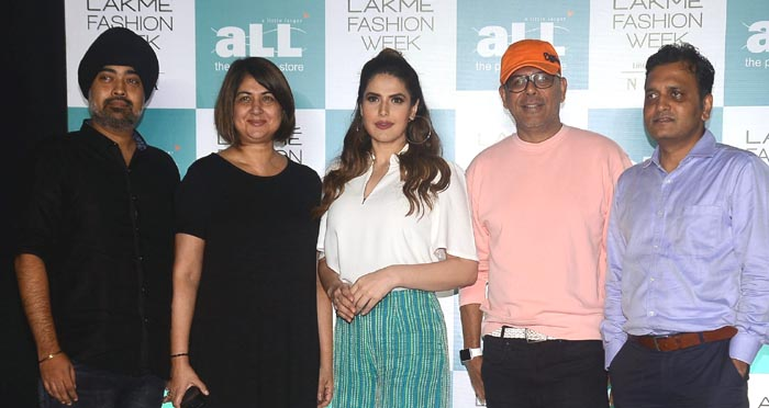 Jury Members (L-R) Jaspreet Chandok, Lubna Adam, Zareen Khan, Narendra Kumar, Hetal Kotak at Lakme Fashion Week and aLL - The Plus Size Store Model Auditions 2018