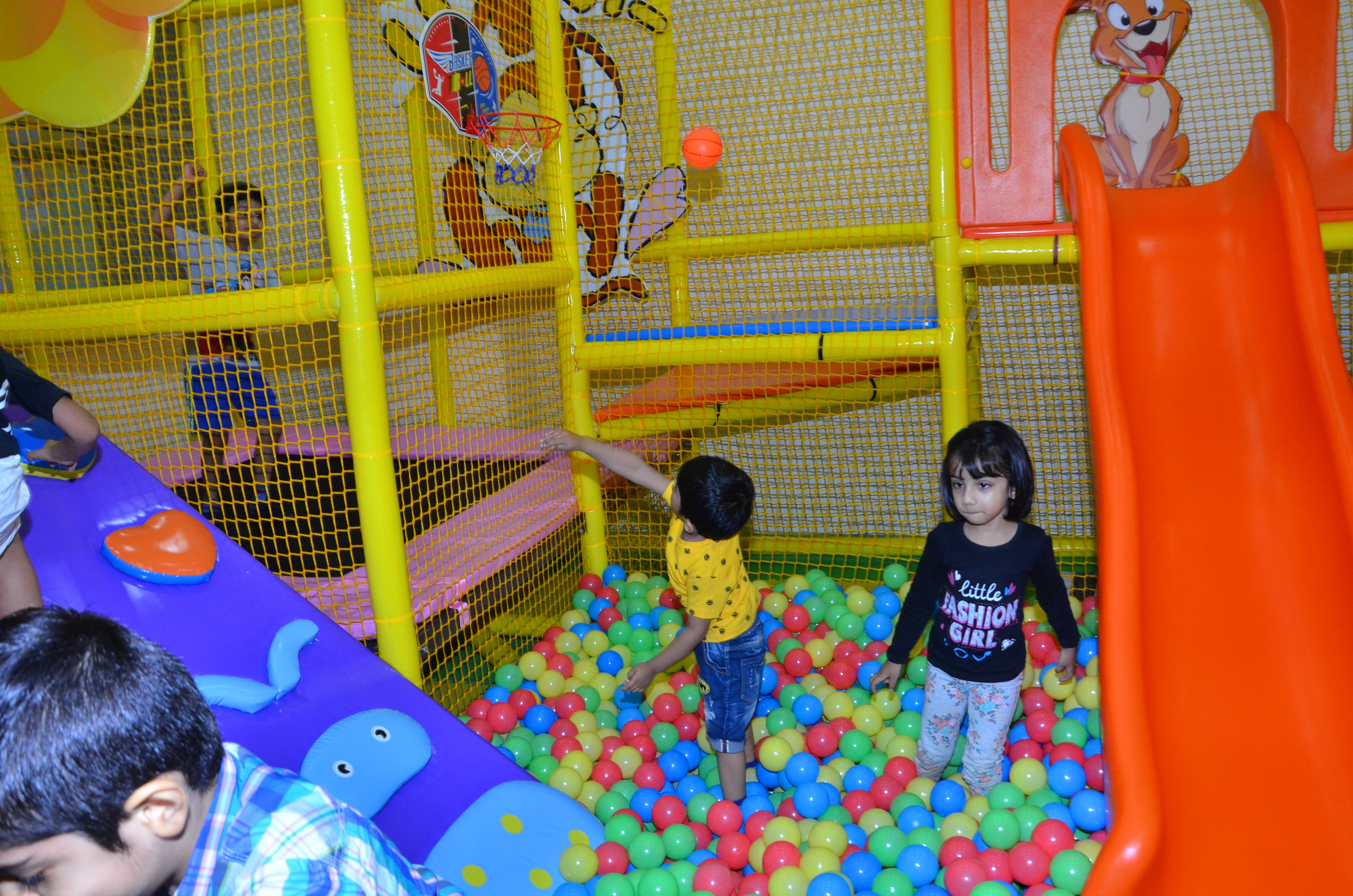 Ronita mukherjee bhatia amit amlani opened the first for Indoor soft play