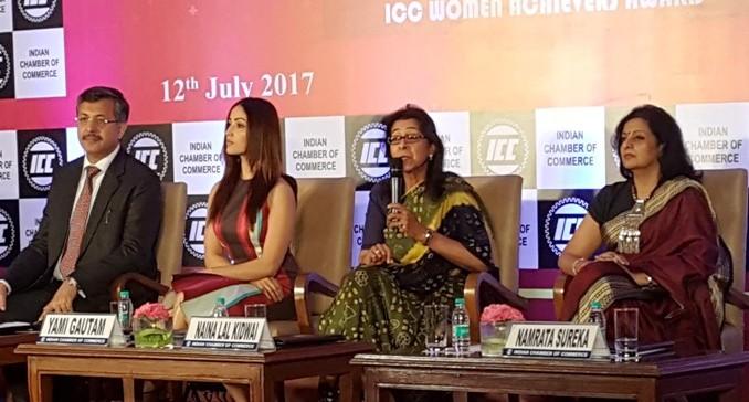 L-R_Rajeev Singh, Director General, Indian Chamber of Commerce_Yami Gautam,Bollywood Actor_Naina Lal Kidwai, Chairman, Max Financial Services and Namrata Sureka, President, Ladies Study Group