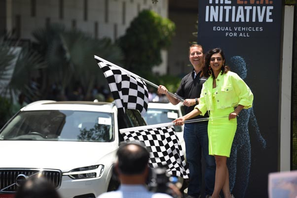 Mr. Charles Frump, Managing Director Volvo Cars India & Radhika Apte Flagging off the Safety Ride