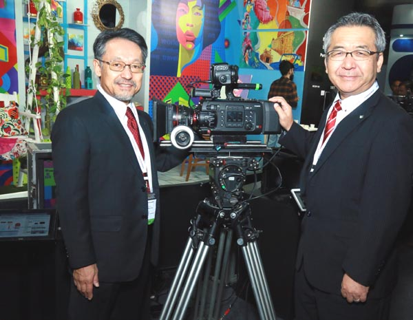Mr. Kazutada Kobayashi, President & CEO, Canon India and Mr. Eddie Udaga...