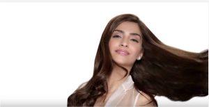 sonam-kapoor-in-aurelle-by-leshna-shah-interchangeable-earrings-3-mti-news